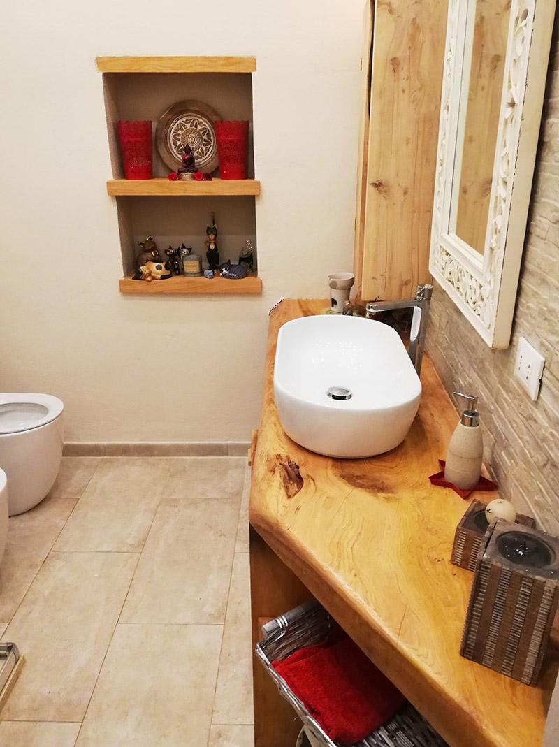 Mensole e mobile da bagno